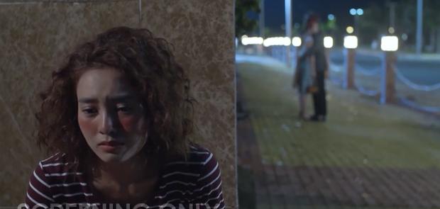 Ninh Dương Lan Ngọc khóc xấu banh xác, gài Chi Pu gặp crush thay mình trong Mối Tình Đầu Của Tôi tập 3 - Ảnh 16.