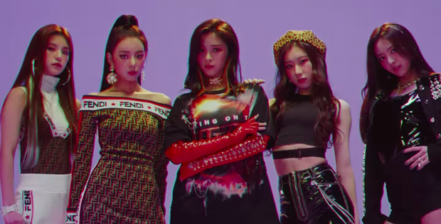 JYP ra mắt nhóm nữ em gái TWICE nhưng trớ trêu netizen Hàn lại toàn nghĩ đến Black Pink, Red Velvet - Ảnh 2.