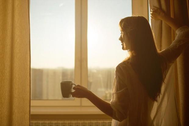 Con gái uống trà xanh cần né 4 thời điểm này để không gây ảnh hưởng xấu tới sức khỏe - Ảnh 1.