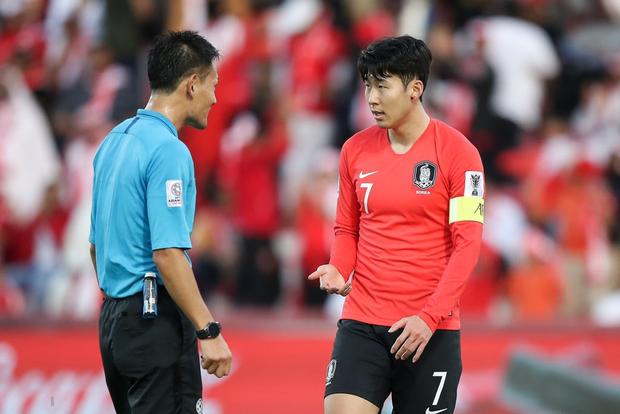 Cầu thủ đắt giá nhất châu Á nỗ lực cống hiến cho Hàn Quốc đến mức chảy cả máu vành tai - Ảnh 5.