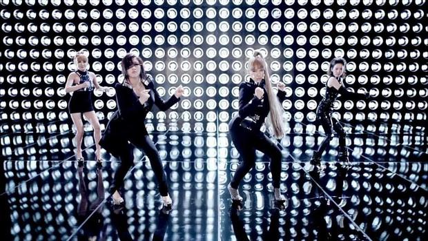 Clip nhảy cover tại buổi văn nghệ 7 năm trước khiến người ta bồi hồi nhớ lại thời hoàng kim của T-Ara, 2NE1 - Ảnh 3.