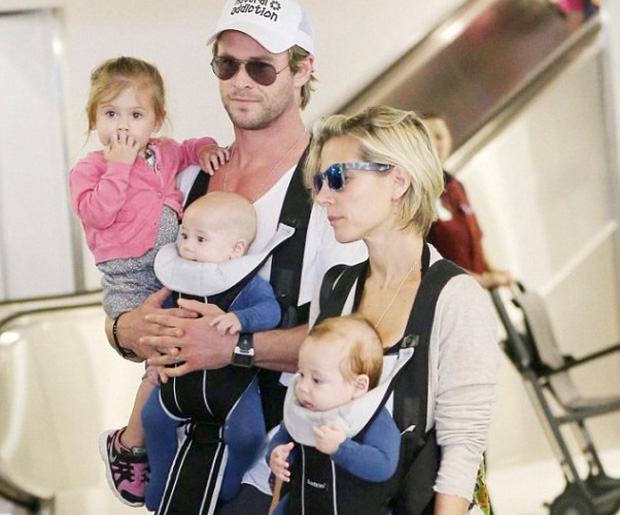 Tìm nơi nuôi bầy con nhỏ, Thor Chris Hemsworth lại chọn nhầm địa điểm gần... bãi biển khỏa thân - Ảnh 2.