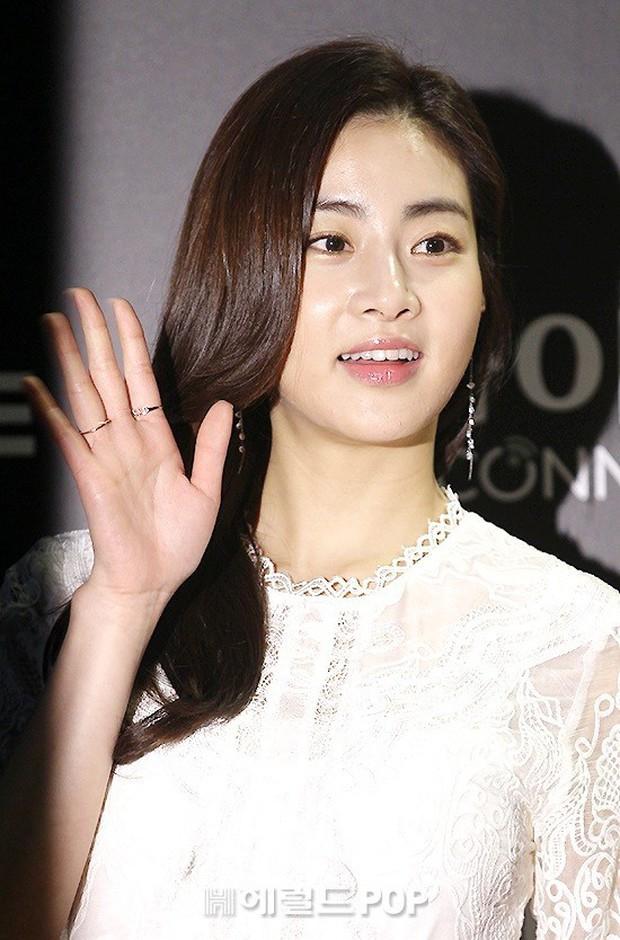 Tình cũ Hyun Bin lộ ảnh hẹn hò với Son Ye Jin, Kang Sora lại phản ứng bất ngờ trong lần đầu xuất hiện - Ảnh 3.