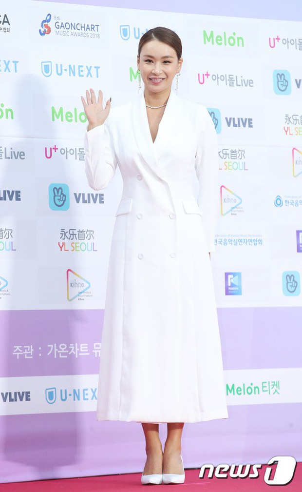 Hơn 80 sao Hàn đổ bộ thảm đỏ Gaon 2019: Tzuyu xuất sắc, nữ thần lai và mỹ nhân TWICE gây chú ý vì vòng 1 đốt mắt - Ảnh 37.