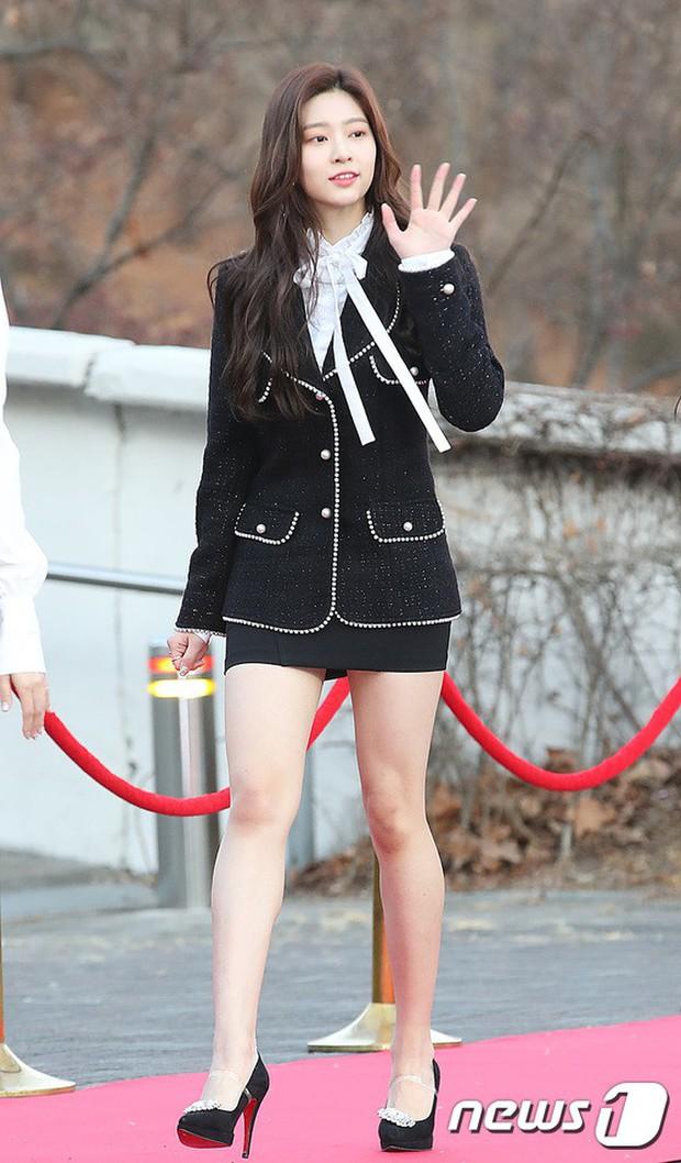 Hơn 80 sao Hàn đổ bộ thảm đỏ Gaon 2019: Tzuyu xuất sắc, nữ thần lai và mỹ nhân TWICE gây chú ý vì vòng 1 đốt mắt - Ảnh 22.