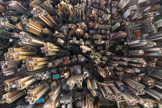 Góc nhìn độc đáo về Hong Kong qua những bức ảnh chụp từ trên cao - Ảnh 1.