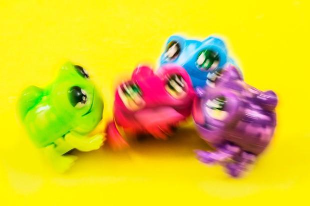 Món đồ chơi hét càng to đuổi càng căng ra phiên bản mới, và lần này kinh dị hơn nhiều - Ảnh 5.