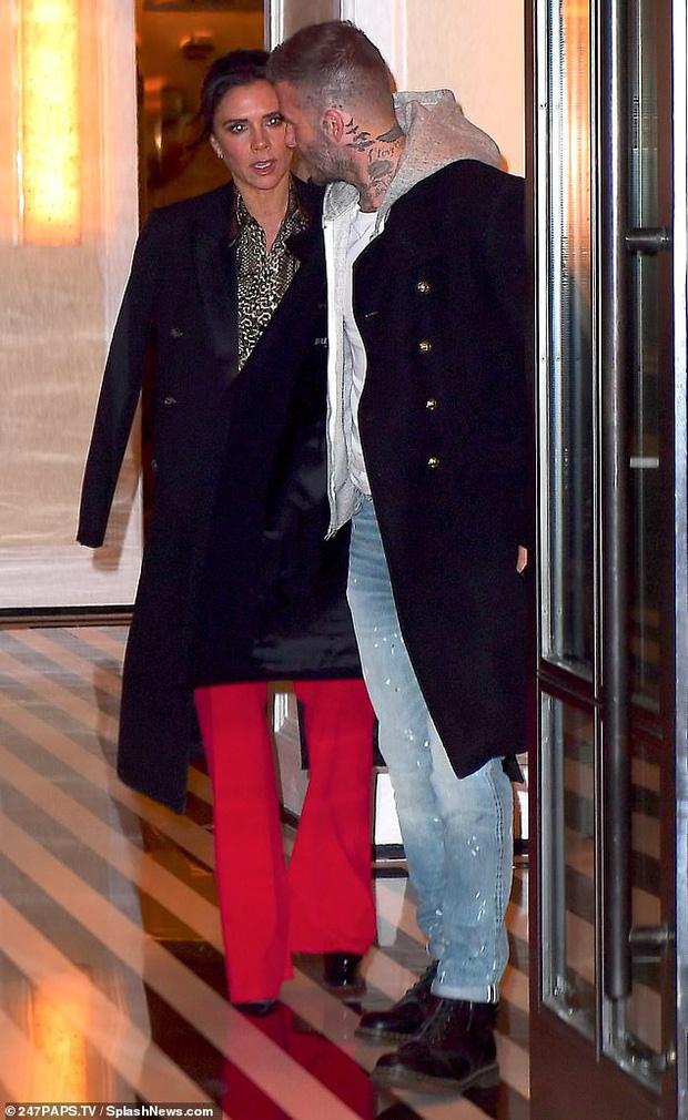 Vợ chồng Beckham xuất hiện sang chảnh ngút ngàn trên phố, không hổ danh cặp đôi đẳng cấp nhất thế giới! - Ảnh 3.