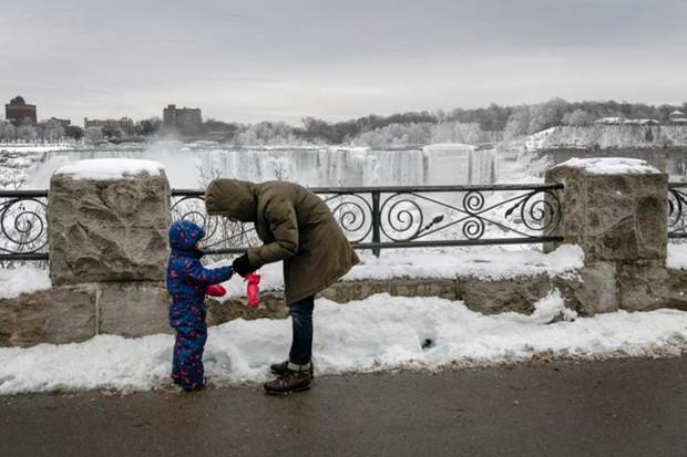 Chùm ảnh: Thác Niagara hóa xứ sở băng giá - Ảnh 11.
