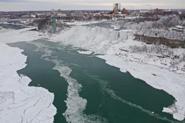 Chùm ảnh: Thác Niagara hóa xứ sở băng giá - Ảnh 5.