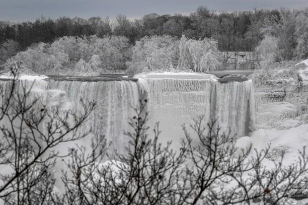 Chùm ảnh: Thác Niagara hóa xứ sở băng giá - Ảnh 6.