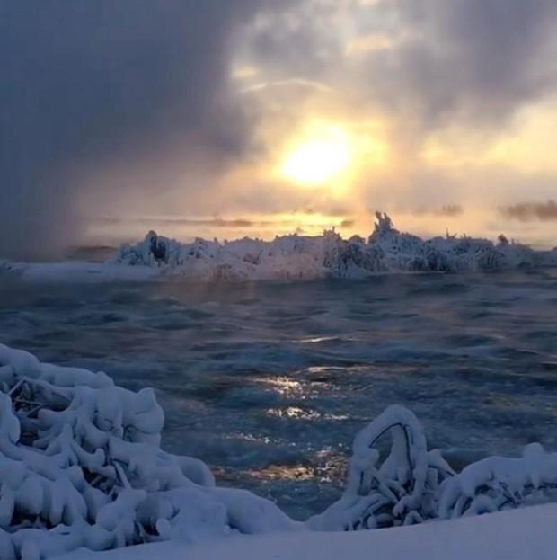 Chùm ảnh: Thác Niagara hóa xứ sở băng giá - Ảnh 8.