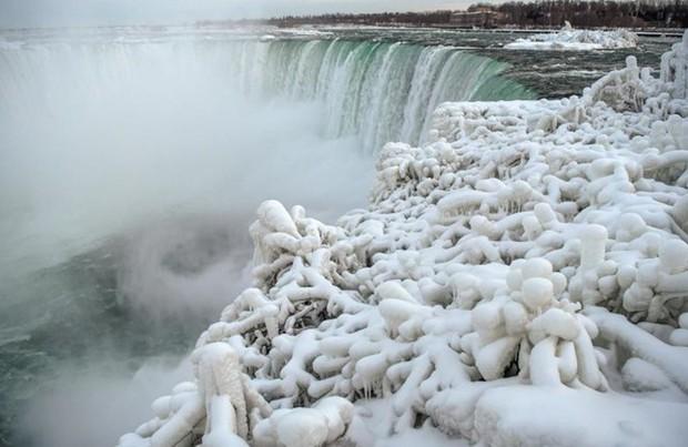 Chùm ảnh: Thác Niagara hóa xứ sở băng giá - Ảnh 9.