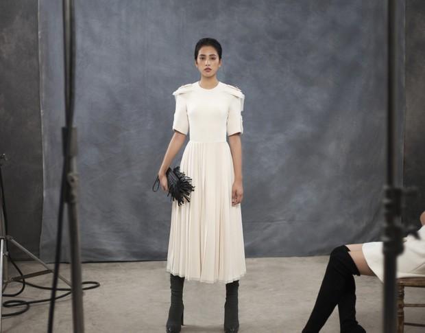 Làm nàng thơ trong bộ ảnh mới của NTK Công Trí, HH Tiểu Vy bị chê là biểu cảm nhạt nhẽo, vô hồn - Ảnh 2.