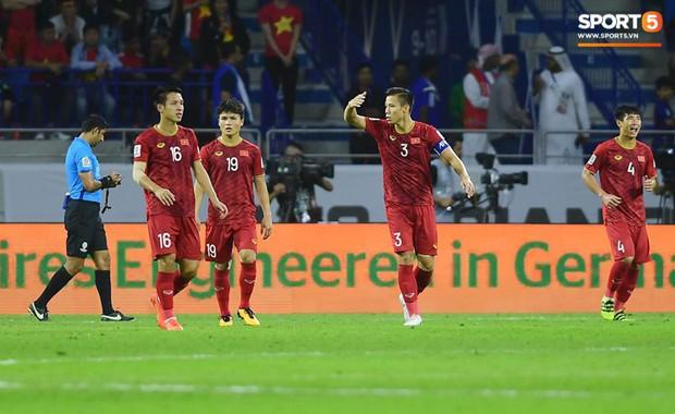 Thua Nhật Bản nhưng chỉ thấy đội tuyển Việt Nam được ca tụng hết lời - Ảnh 2.