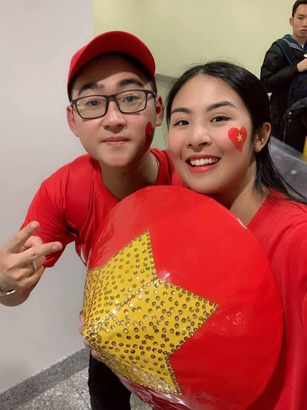 Hoa hậu Ngọc Hân và nghệ sĩ Vbiz đến Dubai tiếp lửa cho tuyển Việt Nam trong trận gặp Nhật Bản - Ảnh 3.