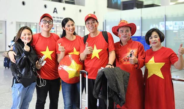 Hoa hậu Ngọc Hân và nghệ sĩ Vbiz đến Dubai tiếp lửa cho tuyển Việt Nam trong trận gặp Nhật Bản - Ảnh 1.