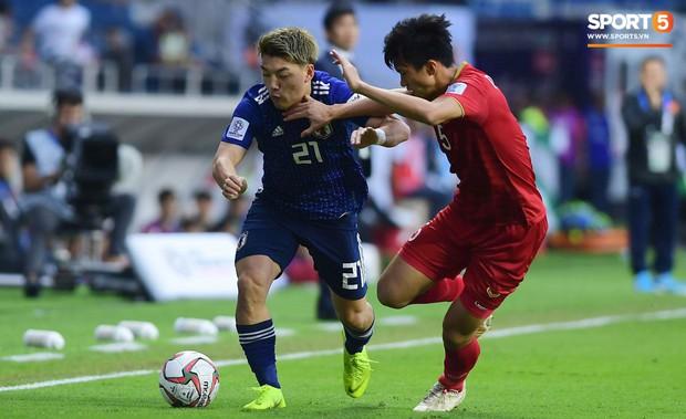 HLV tuyển Nhật Bản thở phào nhẹ nhõm vì đội nhà đã giữ sạch lưới trước Việt Nam - Ảnh 1.