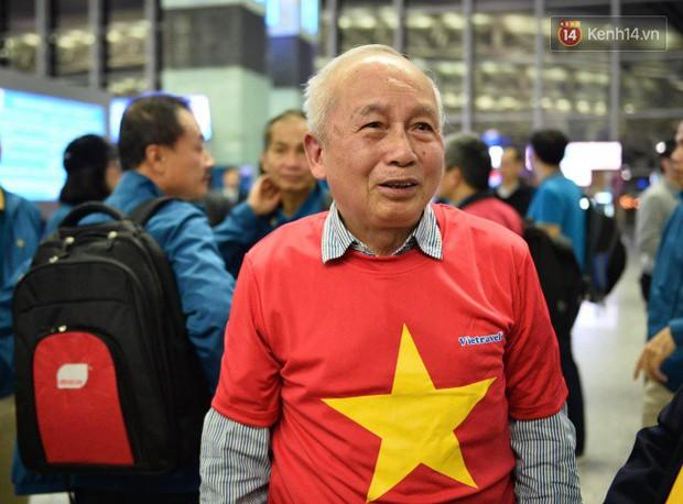 Hàng trăm CĐV từ Hà Nội - Hồ Chí Minh hội quân sang cổ vũ ĐT Việt Nam trong trận tứ kết Asian Cup 2019 - Ảnh 5.