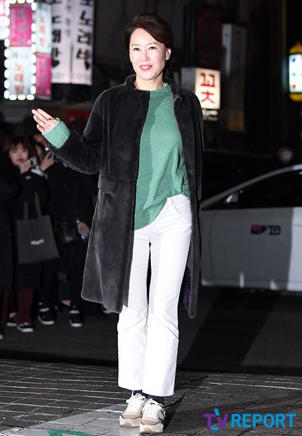 Tiệc mừng công Encounter: Song Hye Kyo để mặt mộc, tài tử Hàn trẻ khó tin mặc dù hơn Park Bo Gum 12 tuổi - Ảnh 9.