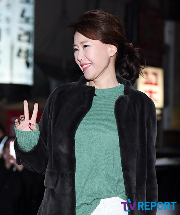 Tiệc mừng công Encounter: Song Hye Kyo để mặt mộc, tài tử Hàn trẻ khó tin mặc dù hơn Park Bo Gum 12 tuổi - Ảnh 8.