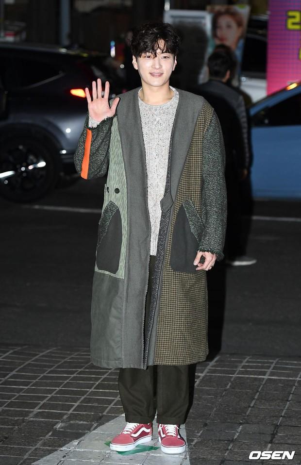 Tiệc mừng công Encounter: Song Hye Kyo để mặt mộc, tài tử Hàn trẻ khó tin mặc dù hơn Park Bo Gum 12 tuổi - Ảnh 6.