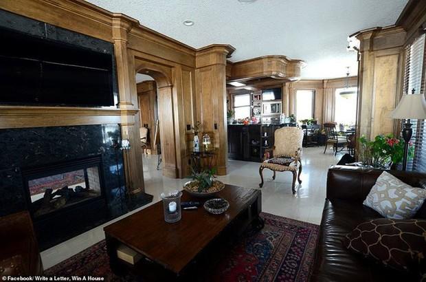 Không thể bán dinh thự 30 tỷ, bà chủ Canada quyết định tặng nhà cho người văn hay chữ tốt - Ảnh 6.