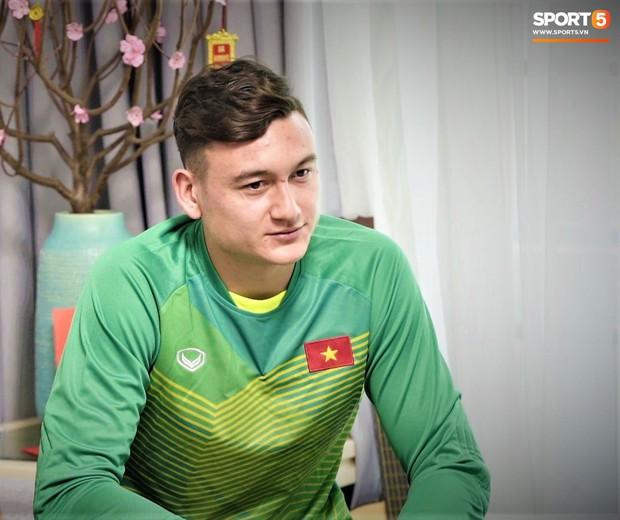 Sau Asian Cup 2019, Văn Lâm là cầu thủ duy nhất phải đón Tết nơi đất khách - Ảnh 3.