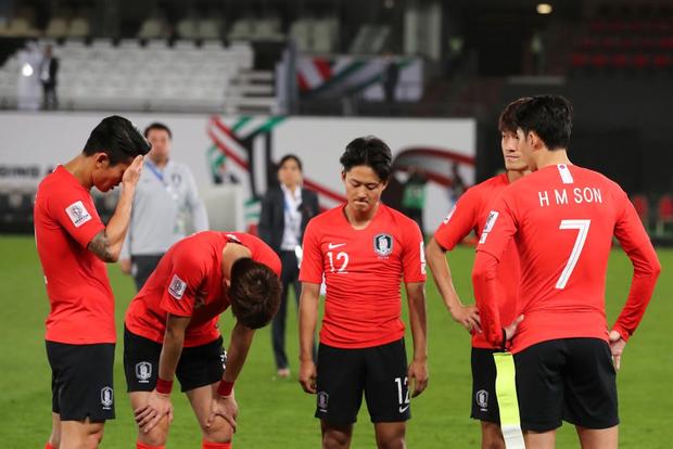 Tuyển thủ Hàn Quốc buồn bã, CĐV suy sụp sau thất bại ở tứ kết Asian Cup 2019 - Ảnh 2.