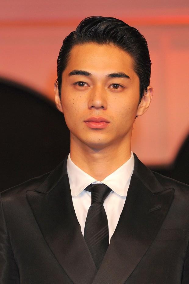Tài tử Nhật visual đỉnh cao đến mức được netizen Hàn công nhận: Cao 1m8, bảnh khó cưỡng nhưng đã có 3 con - Ảnh 5.