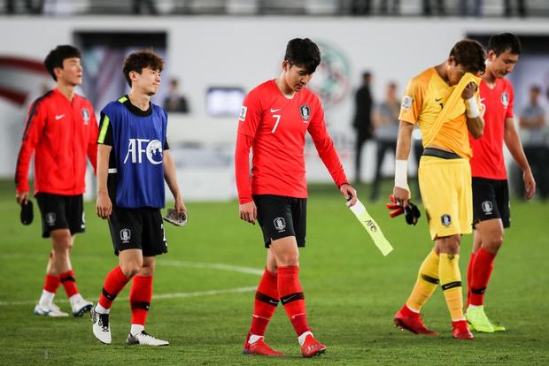 Tuyển thủ Hàn Quốc buồn bã, CĐV suy sụp sau thất bại ở tứ kết Asian Cup 2019 - Ảnh 3.