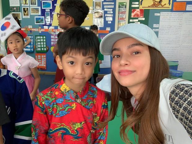 Bận rộn chạy show, Hồ Ngọc Hà vẫn quyết bất chấp mệt mỏi đến trường tham dự hoạt động cuối năm của con trai Subeo - Ảnh 1.