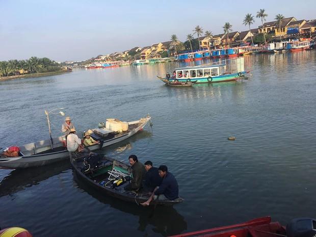 Nóng: Người đàn ông Hà Nội lao ô tô chở 4 người trong gia đình xuống sông ở Hội An khiến 3 người thiệt mạng, nghi do cãi nhau với vợ - Ảnh 2.