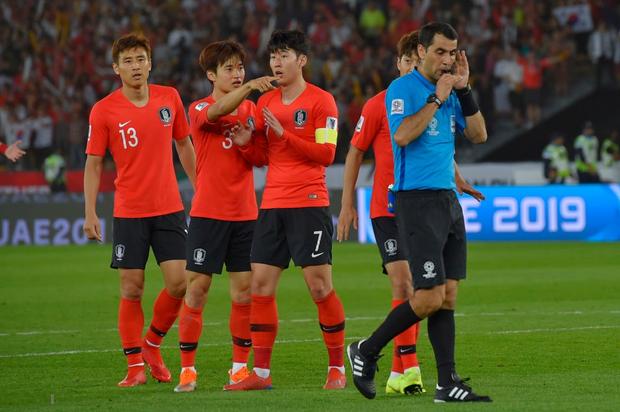 VAR góp phần khiến tuyển Hàn Quốc ôm hận - Ảnh 2.
