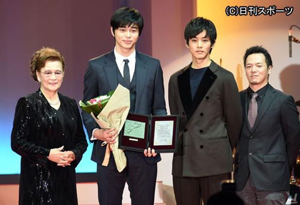 Tài tử Nhật visual đỉnh cao đến mức được netizen Hàn công nhận: Cao 1m8, bảnh khó cưỡng nhưng đã có 3 con - Ảnh 14.