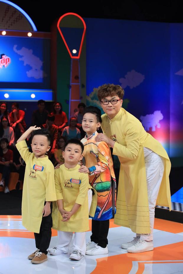 Trấn Thành ngã ngửa khi nghe bé Xì Trum vô tư kể xấu bố Nguyễn Hải Phong - Ảnh 4.