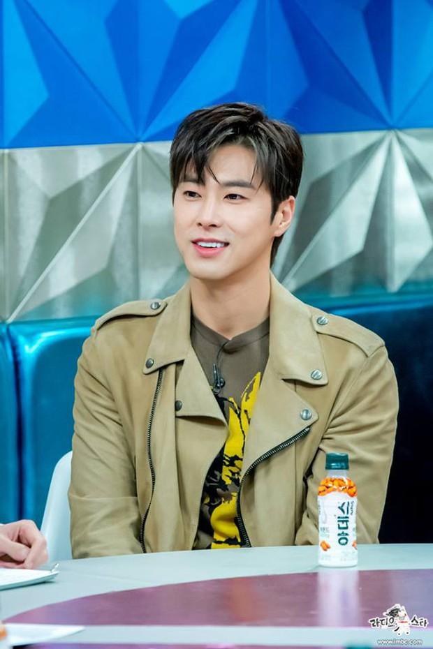 Yunho (DBSK) đã vượt qua nỗi ám ảnh với nước cam sau khi bị đầu độc vào năm 2006 như thế nào? - Ảnh 1.