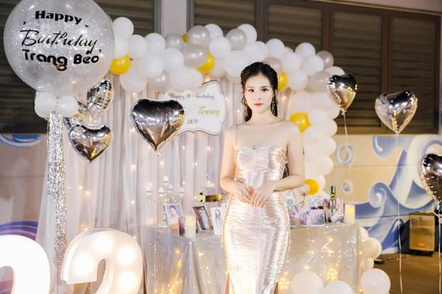 Dàn bạn gái cầu thủ Việt: Xinh đẹp, nổi tiếng nhưng chưa hết, họ còn có cuộc sống sang chảnh đáng ghen tỵ - Ảnh 23.
