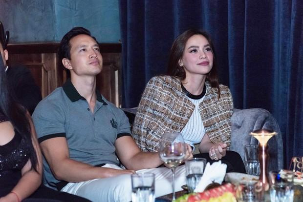 Hồ Ngọc Hà - Kim Lý cùng dàn sao Việt đến ủng hộ đêm nhạc riêng của nghệ sĩ violin Hoàng Rob - Ảnh 2.