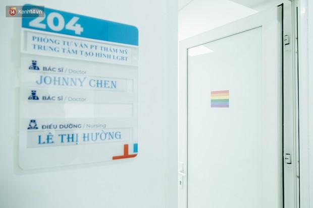 Gặp giám đốc trẻ sáng lập khoa tạo hình LGBT đầu tiên tại Hà Nội: Là người chuyển giới, mình hiểu được nỗi lo của cộng đồng khi đến bệnh viện - Ảnh 5.