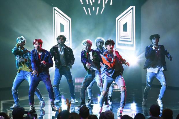 Đứng bên Backstreet Boys và các huyền thoại, BTS khiến cả châu Á hãnh diện khi lọt top 10 nhóm nhạc nam mọi thời đại - Ảnh 6.