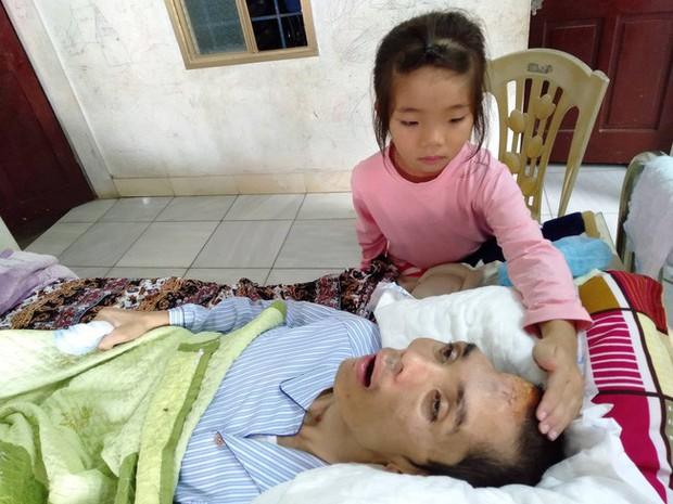 Điều ước trong nước mắt của 3 đứa trẻ bất hạnh ngày cận Tết: Chị em cháu chỉ mong bố tỉnh lại - Ảnh 2.