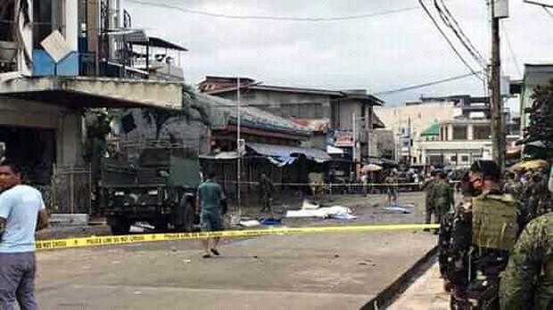 Vụ đánh bom nhà thờ Philippines: Chính phủ tuyên bố sẽ truy lùng bằng được các phần tử khủng bố - Ảnh 2.