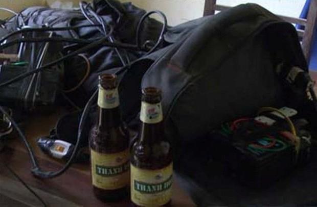 Trộm chó táo tợn ném vỏ chai bia khiến người dân truy đuổi bị thương - Ảnh 2.