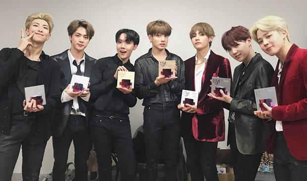 """BTS đã """"càn quét"""" tất cả các lễ trao giải âm nhạc của Hàn Quốc năm 2018 như thế nào? - Ảnh 7."""
