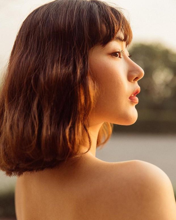 Dù tóc ngắn thì vẫn có 4 kiểu uốn xoăn đẹp quên sầu mà không già chút nào để chị em điệu đà diện Tết - Ảnh 9.