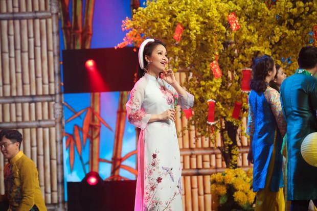 Hồ Ngọc Hà, Noo Phước Thịnh cùng hơn 30 nghệ sĩ Vpop đồng loạt quy tụ trong chương trình nhạc Xuân rộn ràng - Ảnh 1.