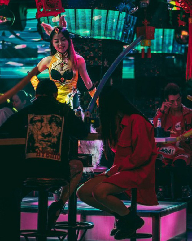 Đột kích CLB trai đẹp dành cho quý bà ở Thượng Hải: Chỉ trò chuyện, lương tháng hơn 270 triệu - Ảnh 3.