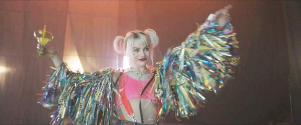 Harley Quinn cùng hội nữ quái Birds of Prey chính thức lộ diện, quẩy lên nào các fan DC ơi! - Ảnh 2.