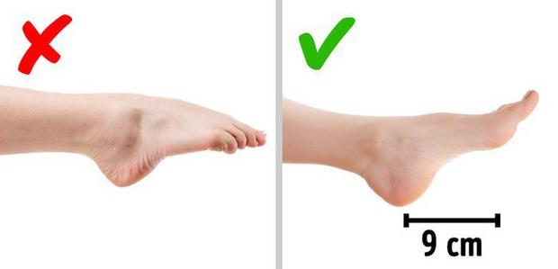 Chị em sắm giày cao gót diện Tết, ngoài phần gót cao còn phải chú ý chi tiết này thì đi giày mới thoải mái - Ảnh 4.